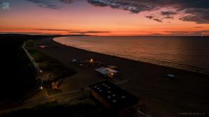 Plaża po zachodzie słońca